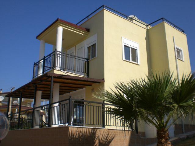 Akbükte Satılık Deniz Manzaralı Müstakil Villa