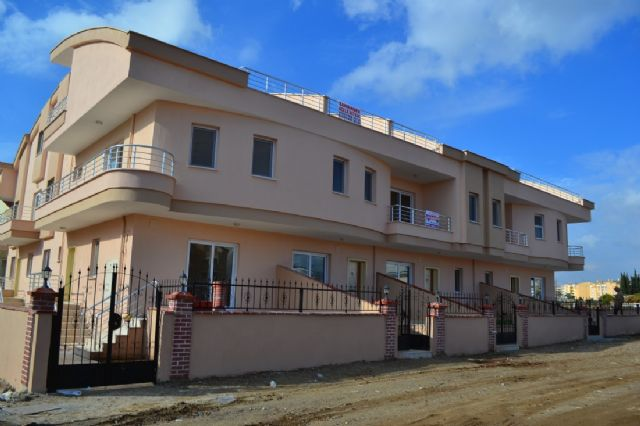Didimde Satılık 3+1 Bitişik Nizam Ayri Mutfak Villa