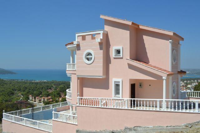 Serenity Villa Akbükte Konumlanmış Müstakil Ve Özel Havuzlu Bir Villadır