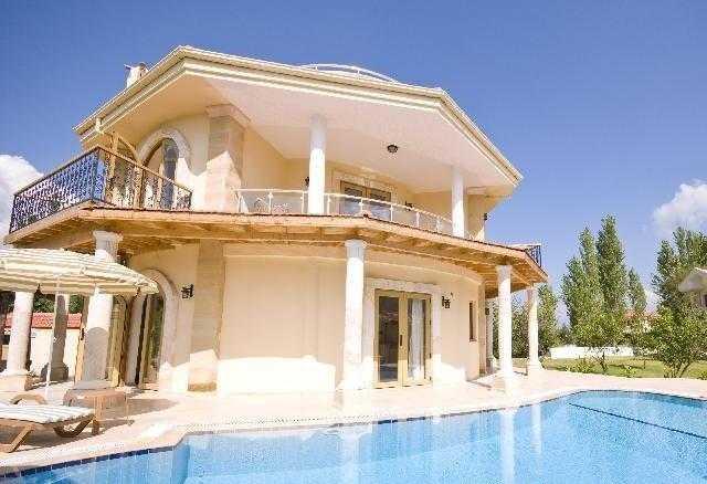 Lüks Müstakil Çeşme'de Kiralık Villa