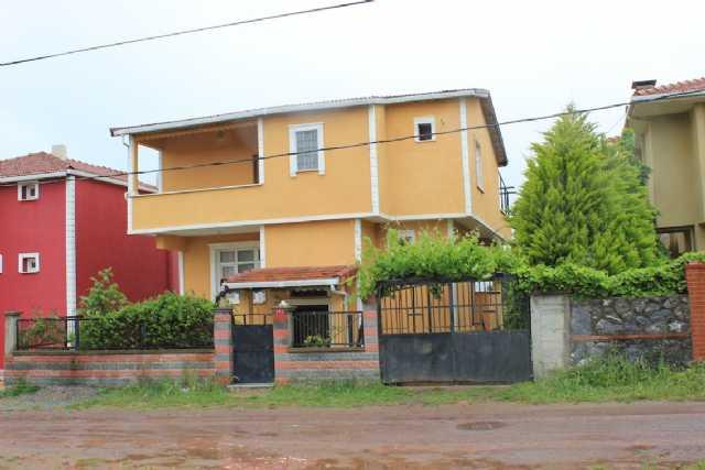 Şile Sahilköyde Deniz Manzaralı Satılık Villa 53