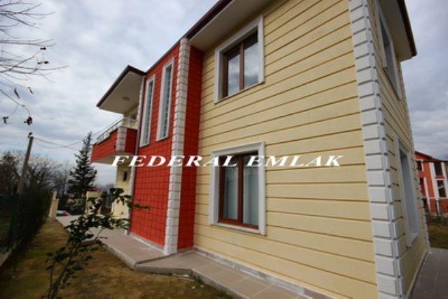 Federalden Gölcük Ulaşlıda Satılık Müstakil Villa