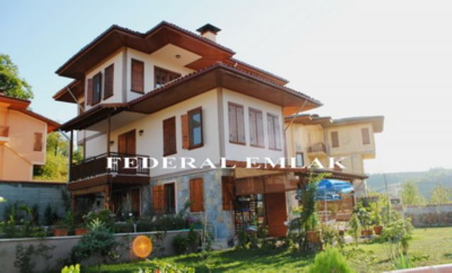 Federalden İzmit Kocaeli Bahçecikte Satılık Villa