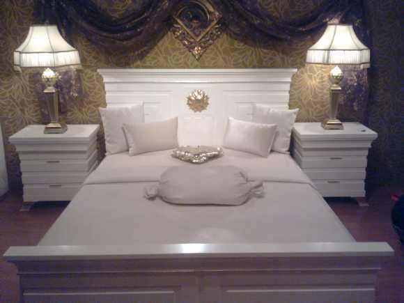 Beyaz Pramit Yatak Odası Takımları