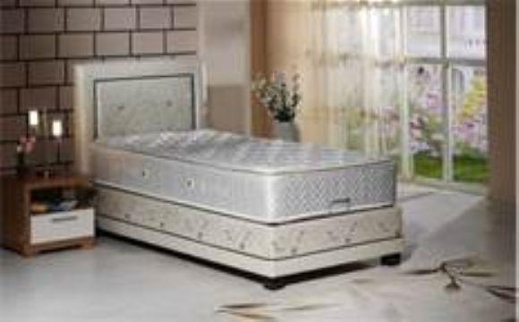 Yatak Odasını İhtişamını Ve Güzelliğini Öne Çıkaran Unsurların Başında Baza Başlıkları Gelir.