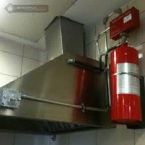 bir kapının yangına dayanıklılığı, gerçekleştirilecek yangın dayanıklılık testi ve bu testin değerlendirilmesi ile tespit edilir.bir yangına dayanıklılık testi doğrudan doğruya bir yakma işlemi olup, en basit şekilde, bir kapı numunesinin uygun destekleme yapısına monte edilerek test edilmesi olarak açıklanabilir. yangın testi k
