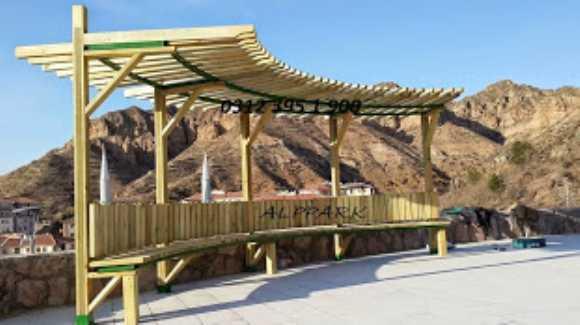 Yarım Ay Bank Pergole Kamelya Çatılı Piknik Masası
