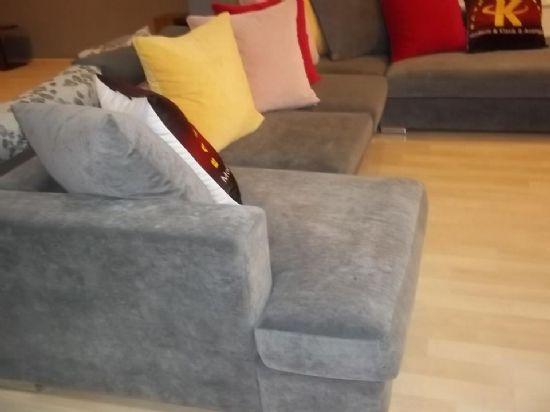Rahat bir köşe koltuk modeli, istirahatli çok beğenilen güzel tasarım köşe koltuk modelimiz size özel ölçü ve renk seçenekleriyle italyan tasarım