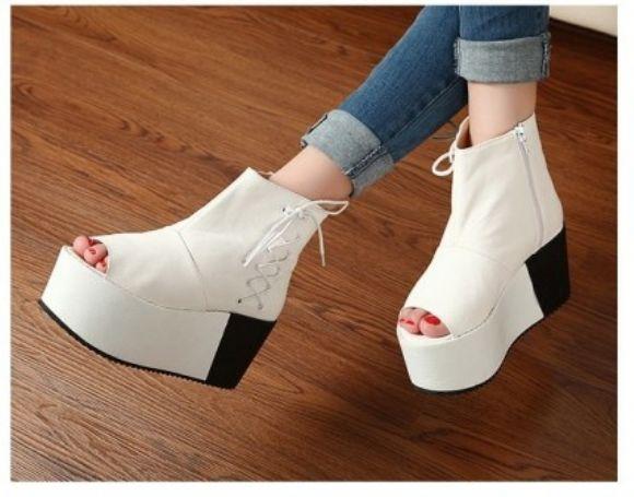 511b9d3ddc5e8 Bayan Babet Ayakkabı Modelleri En Güzel Yeni Topuklu Ucuz Bayan Ayakkabı  Kadın Modası Bayan Babet Ayakkabı