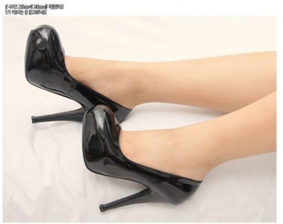En Büyük Topuklu Ayakkabı  En Güzel Yeni Topuklu Ucuz Bayan Ayakkabı Kadın Modası  En Büyük Topuklu Ayakkabı