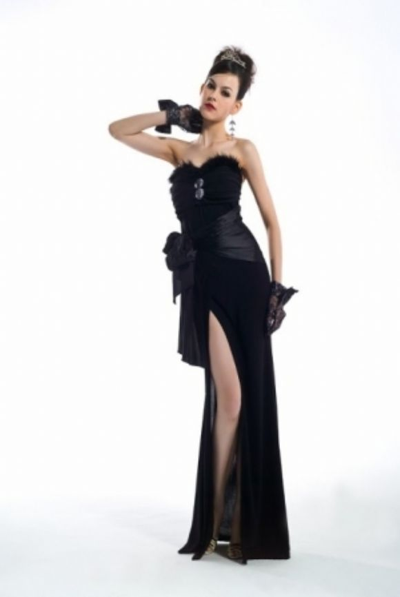 Anne Gece Elbiseleri  Gösterişli Şık Yeni Modeller Bayanlara Özel Yeni Tasarımlar  Anne Gece Elbiseleri