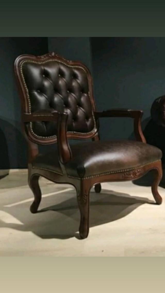 İtalyan Klasik Berjer Koltuk Modeli İle Odanıza Klasik Tekli Tasarım İle Rahatlama Ve Uyum Atmosferi