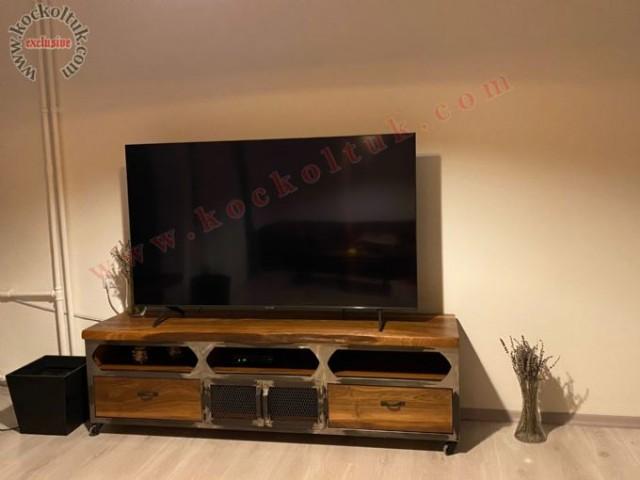 Metal Detaylı Ahşap Tv Sehpası